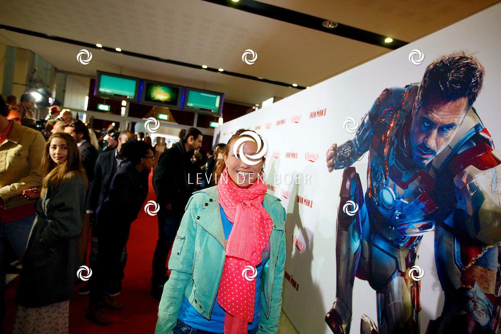 AMSTERDAM - In het Rai theater is de filmpremiere van Iron Man 3. Met op de foto  Jessica Mendels. FOTO LEVIN DEN BOER - PERSFOTO.NU