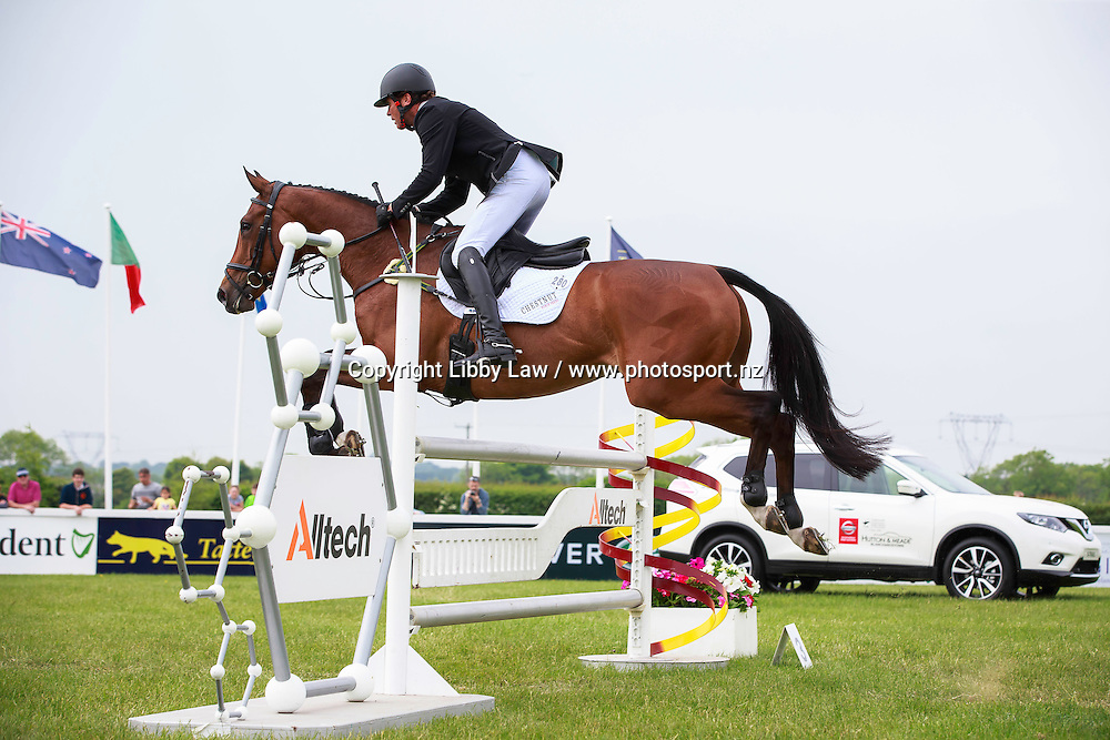 NZL-Dan Jocelyn (BEAUCATCHER) FINAL-5TH: EVENTING IRELAND CCI2* SHOWJUMPING: 2016 IRL-Tattersalls International Horse Trial (Sunday 5 June) CREDIT: Libby Law COPYRIGHT: LIBBY LAW PHOTOGRAPHY