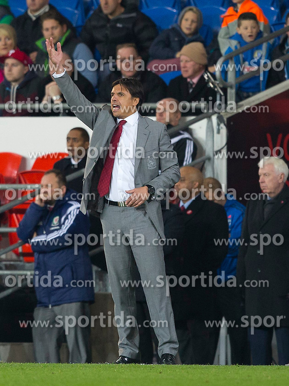 16.11.2013, Cardiff City Stadium, Cardiff, WAL, Fussball Testspiel, Wales vs Finnland, im Bild Wales' manager Chris Coleman gestures on the touchline // during the international friendly match between Wales and Finland at the Cardiff City Stadium in Cardiff, Great Britain on 2013/11/17. EXPA Pictures © 2013, PhotoCredit: EXPA/ Propagandaphoto/ Kieran McManus<br /> <br /> *****ATTENTION - OUT of ENG, GBR*****