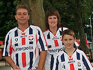 05-07-2008 VOETBAL:TILBURGSE SELECTIE - WILLEM II:TILBURG<br /> Een familie met het supportershart voor Willem II<br /> Foto: Geert van Erven