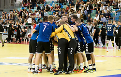 02.11.2016, Arena Nova, Wiener Neustadt, AUT, EHF, Handball EM Qualifikation, Österreich vs Finnland, Gruppe 3, im Bild die Mannschaft von Finnland nach dem Spiel// during the EHF Handball European Championship 2018, Group 3, Qualifier Match between Austria and Finland at the Arena Nova, Wiener Neustadt, Austria on 2016/11/02. EXPA Pictures © 2016, PhotoCredit: EXPA/ Sebastian Pucher