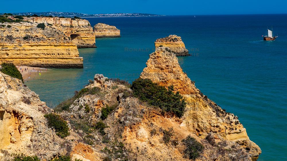 26-04-2019 POR: Vacation Algarve 2019 day 3, Albufeira<br /> Hiking from Praia da Marinha to Benagil, a small Portuguese village on the Atlantic coast in the municipality of Lagoa, Algarve, in Portugal.