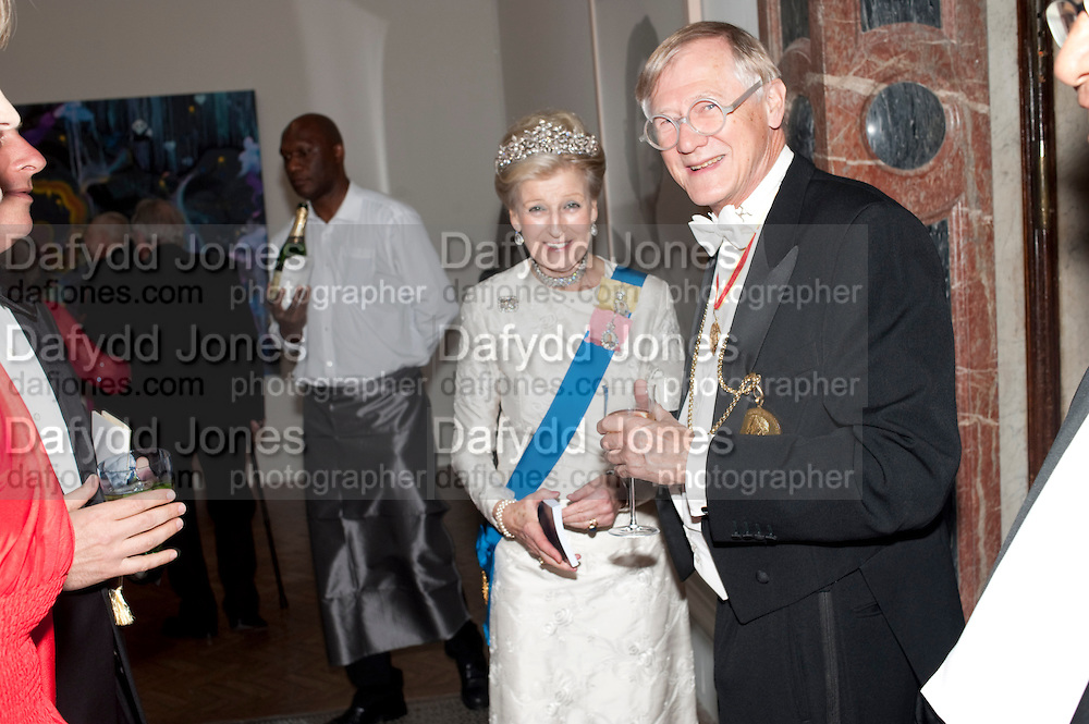 PRINCESS ALEXANDRA; SIR NICHOLAS GRIMSHAW PRESIDENT OF THE RA, Royal Academy of Arts Annual dinner. Royal Academy. Piccadilly. London. 1 June <br /> <br />  , -DO NOT ARCHIVE-© Copyright Photograph by Dafydd Jones. 248 Clapham Rd. London SW9 0PZ. Tel 0207 820 0771. www.dafjones.com.