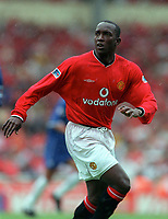 Dwight Yorke - Man Utd. Chelsea v Manchester United. FA Charity Shield. Wembley 13/8/00. Credit: Colorsport.