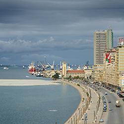 Vista para o Porto de Luanda, Capitania, Hotel Presidente Meridien, Marginal antiga - Avenida 4 de Fevereiro. Angola
