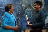 Bachelet recibió a los ganadores del Oscar