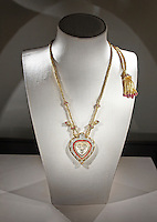 Taj Mahal heart pendant necklace
