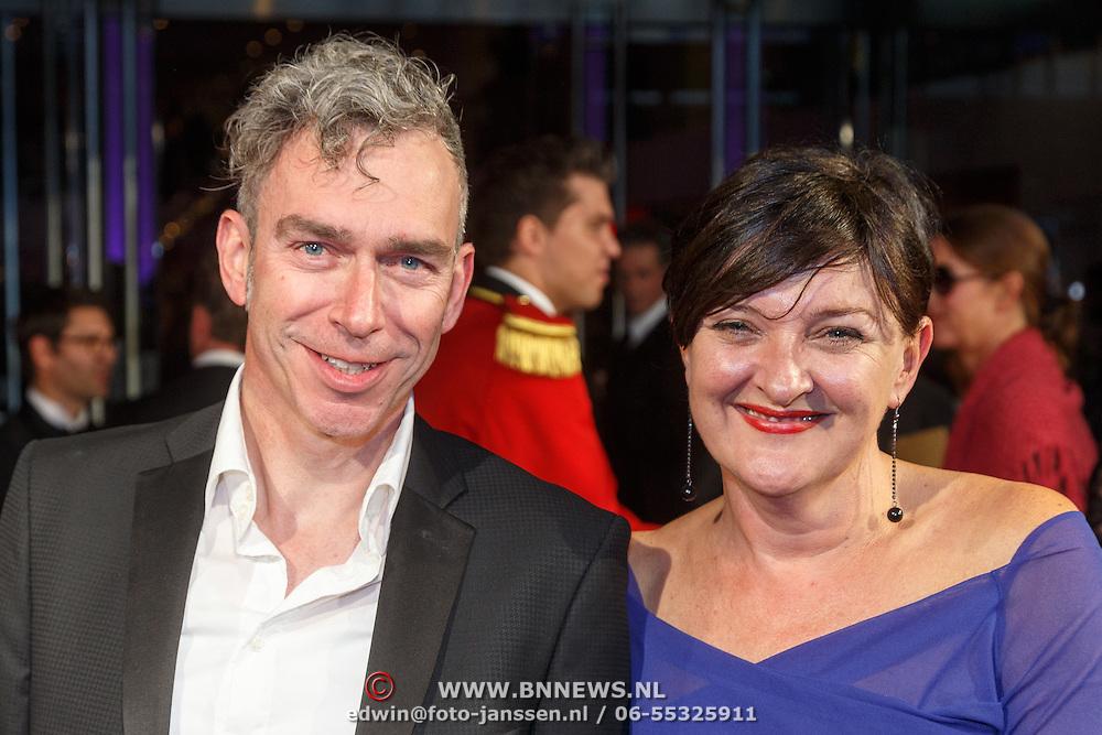 NLD/Utrecht/20151002 - NFF 2015, Gouden Kalveren inloop, Loes Schnepper en partner