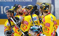 18.03.2010, Albert Schultz Halle, Wien, AUT, EBEL, Vienna Capitals vs Black Wings Linz, im Bild Torjubel der Capitals, EXPA Pictures © 2010, PhotoCredit: EXPA/ T. Haumer