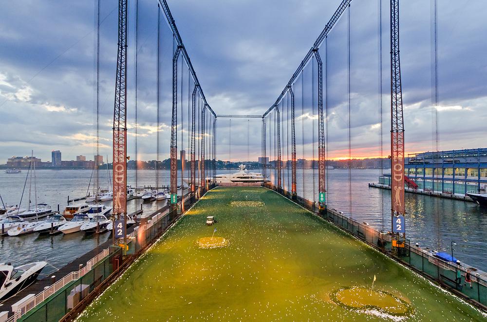 Golf Club Chelsea Piers, Driving Range, Pier 59, Hudson River Park, Manhattan, New York City, New York, USA