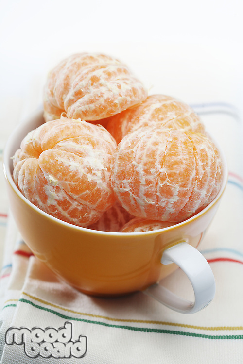 Mandarins in bowl - close-up