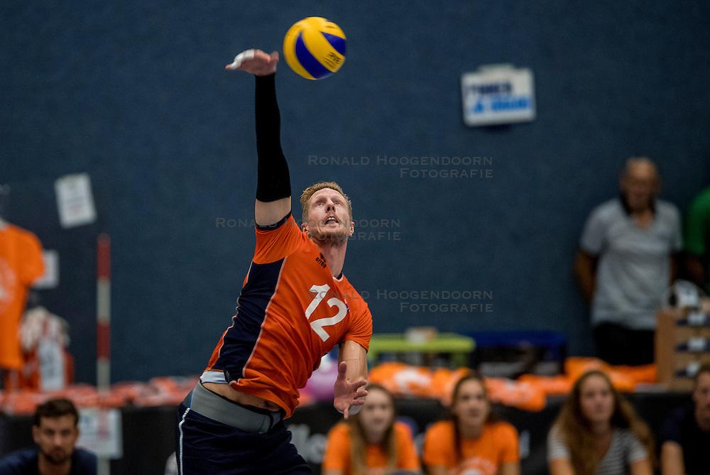 28-08-2016 NED: Nederland - Slowakije, Nieuwegein<br /> Het Nederlands team heeft de oefencampagne tegen Slowakije met een derde overwinning op rij afgesloten. In een uitverkocht Sportcomplex Merwestein won Nederland met 3-0 van Slowakije / Kay van Dijk #12