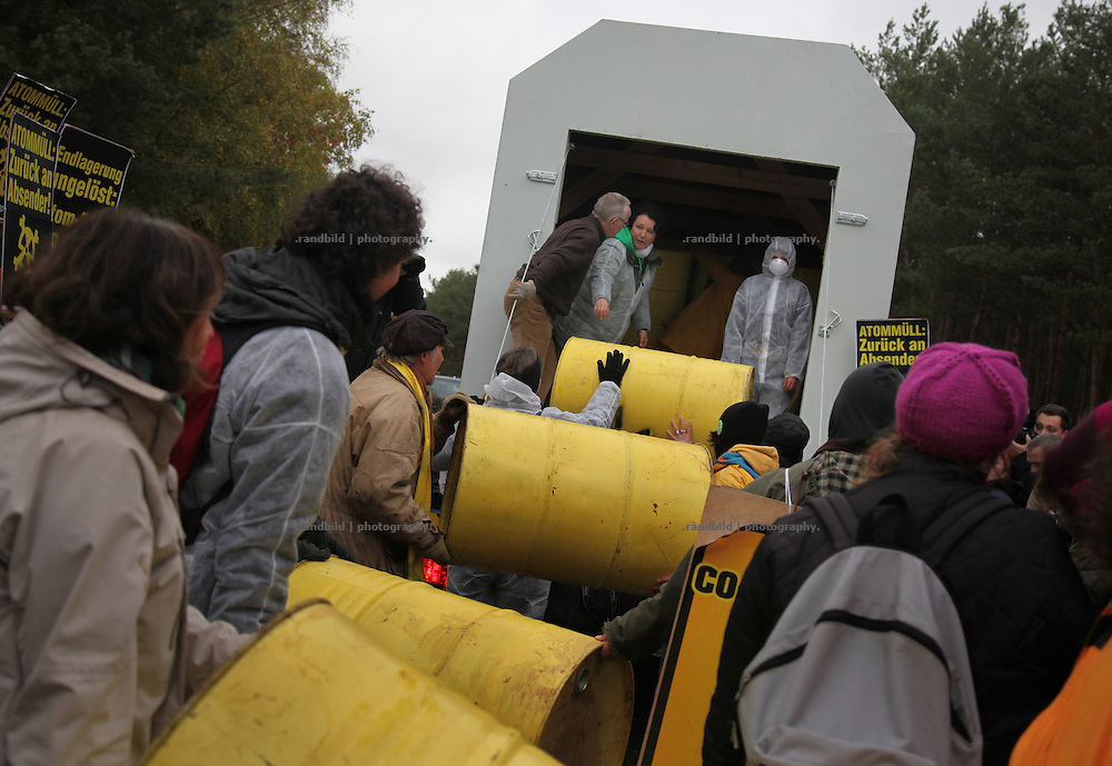 "Today several hundred protesters have packed a modell of a nuclear waste transport container (castor)  to sent it back by truck to the german government in Berlin. The campaign Campact had organized this kind of ""return to sender"" protest to show the peoples will for a general change of the german energy policy. The protest has taken place two weeks before a new nuclear castor transport from LaHague to Gorleben."