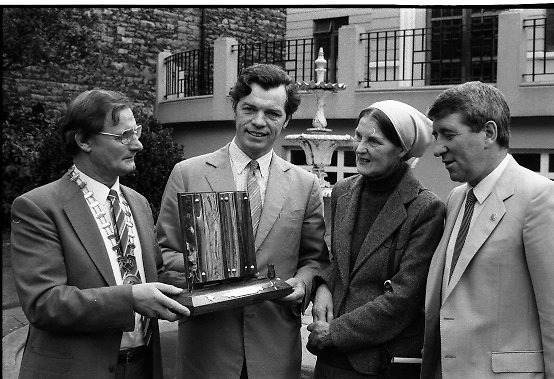 Joan Denise Moriarty..1983.09.11.1983.11.09.1983.9th November 1983..At the Mansion House,Dublin,a V.A.T.S award (Variety ArtistesTrust Society) was made to Joan Denise Moriarty.It was in recognition of her work in Irish Theatre. Ms Moriarty was a noted ballet dancer, choreographer and teacher of ballet. She was also noted as a traditional Irish dancer and musician..A formal presentation of the award will be made at the forthcoming concert in The Opera House,Cork,on November 20th..Pictured with Ms Moriarty were, Mr Jimmy Ryan, Chairman of V.A.T.S.,Mr Andy Bannon,PRO for V.A.T.S. and Mr Ben Kiely of Tayto Group who were the sponsors. ..Addendum: Ms Moriarty Passed away in January 1992.