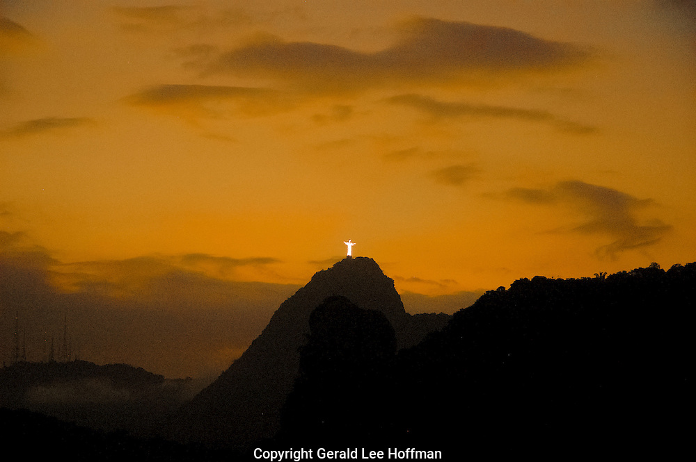 Corcovado Amarelo sunset.