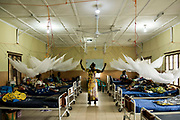 KABALA, SIERRA LEONE - Health Promoter and IEC officer Sama T Marah talk to mothers at the neonatal ward at Kabala General Hospital on November 10, 2017 in Kabala, Sierra Leone. Photo by Xaume Olleros / MSF