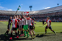 ROTTERDAM - Feyenoord - Heracles , Voetbal , Seizoen 2016/2017 , Eredivisie , De Kuip , 14-05-2017 , eindstand 3-1 , Feyenoord speler Dirk Kuyt viert zijn 3e doelpunt met zijn shirt aan de cornervlag