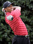 Tiger Woods of the United States hits his tee shot on the 1st hole in the Final round of the U.S. Open Championship at Pinehurst No. 2 in Pinehurst, North Carolina on Sunday, 19  June, 2005