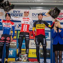 17-11-2019: Wielrennen: Veldrijden DVV cross: Hamme<br />Niels Vandeputte wins in Hamme ahead of Ryan Kamp and Timo Kielich