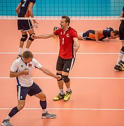 24-09-2016 NED: EK Kwalificatie Nederland - Wit Rusland, Koog aan de Zaan<br /> Nederland verliest de eerste twee sets / Andrei Radziuk #1, Stanislau Zabarouski #11