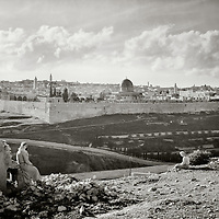 Temple Mount, BW