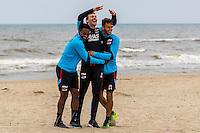 BERGEN AAN ZEE - 25-07-2016, strandtraining AZ, AZ speler Levi Garcia, Niels Kok, AZ speler Pantelis Hatzidiakos