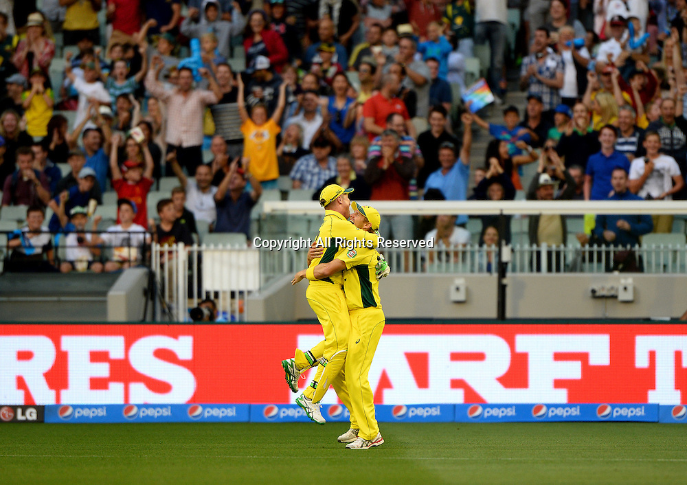 Wicket keeper Brad Haddin (AUS) makes the catch to get the wicket of Joe Root (ENG)<br /> Australia vs England / Match 2<br /> 2015 ICC Cricket World Cup / Pool A<br /> MCG / Melbourne Cricket Ground <br /> Melbourne Victoria Australia<br /> Saturday 14 February 2015<br /> &copy; Sport the library / Jeff Crow