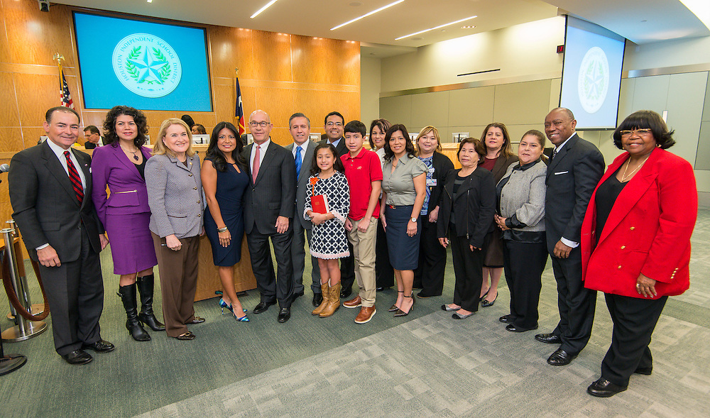 Diana Dávila is sworn in during ceremonies for newly elected Houston ISD trustees, January 14, 2016.
