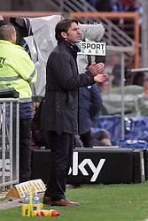 11.04.2010,  Rewirpowerstadion, Bochum, GER, 1.FBL, Vfl Bochum vs Hamburger SV, 30. Spieltag, im Bild: Bruno Labaddia (Trainer Hamburg) feuert seine Mannschaft an. EXPA Pictures © 2010, PhotoCredit: EXPA/ nph/  Mueller