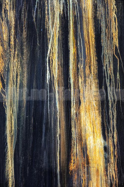 Spillwater from a vessel's hull, processed in Photoshop | Spillvann fra skutsiden på en båt, behandlet litt i Photoshop.