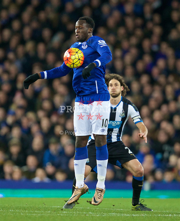 LIVERPOOL, ENGLAND - Wednesday, February 3, 2016: Everton's Romelu Lukaku in action against Newcastle United during the Premier League match at Goodison Park. (Pic by David Rawcliffe/Propaganda)