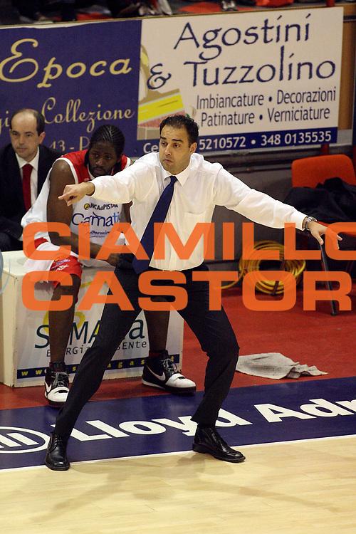DESCRIZIONE : Pistoia Lega A2 2008-09 Carmatic Pistoia Fastweb Casale Monferrato<br /> GIOCATORE : Coach Moretti Paolo<br /> SQUADRA : Carmatic Pistoia<br /> EVENTO : Campionato Lega A2 2008-2009<br /> GARA : Carmatic Pistoia Fastweb Casale Monferrato<br /> DATA : 15/03/2009<br /> CATEGORIA : <br /> SPORT : Pallacanestro<br /> AUTORE : Agenzia Ciamillo-Castoria/Stefano D'Errico