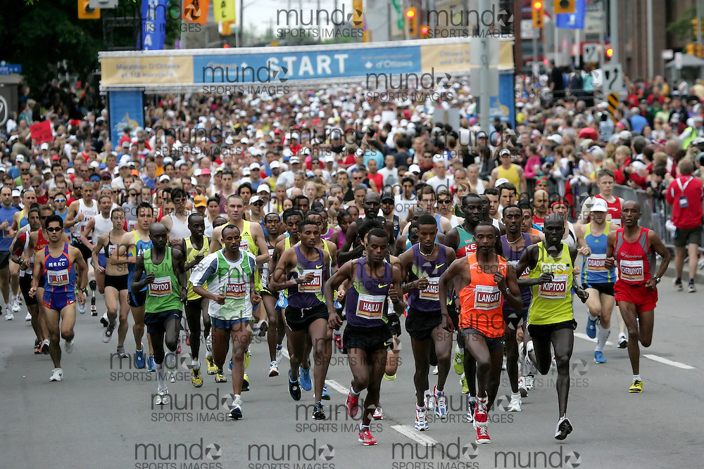 (Ottawa, ON --- May 30, 2010) The start of the marathon during the Ottawa Race Weekend. Photograph copyright Sean Burges / Mundo Sport Images