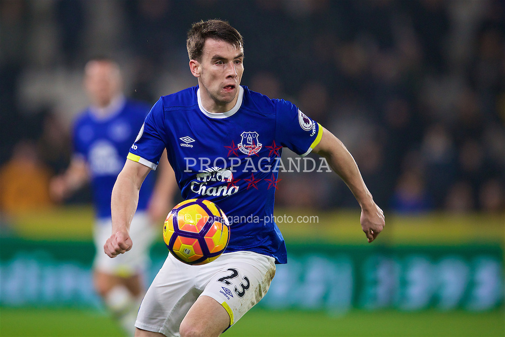 KINGSTON-UPON-HULL, ENGLAND - Friday, December 30, 2016: Everton's Seamus Coleman in action against Hull City during the FA Premier League match at the KCOM Stadium. (Pic by David Rawcliffe/Propaganda)