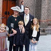 NLD/Apeldoorn/20130105 - Huwelijk prins Jaime en prinses Viktoria Cservenyak, prins Constantijn, partner Laurentien Brinkhorst en kinderen Eloise, Claus-Casimier, Leonore