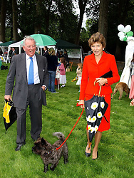 The EARL & COUNTESS OF HALIFAX at the 3rd annual Macmillan Dog Day in aid of Macmillan Cancer Relief held at Royal Hospital Chelsea, London SW3 on 5th July 2005.<br /><br />NON EXCLUSIVE - WORLD RIGHTS
