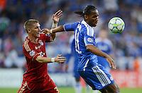FUSSBALL   SAISON 2011/2012   CHAMPIONS LEAGUE FINALE FC Bayern Muenchen - FC Chelsea  19.05.2012 Bastian Schweinsteiger (li, FC Bayern Muenchen) gegen Didier Drogba (re, FC Chelsea)