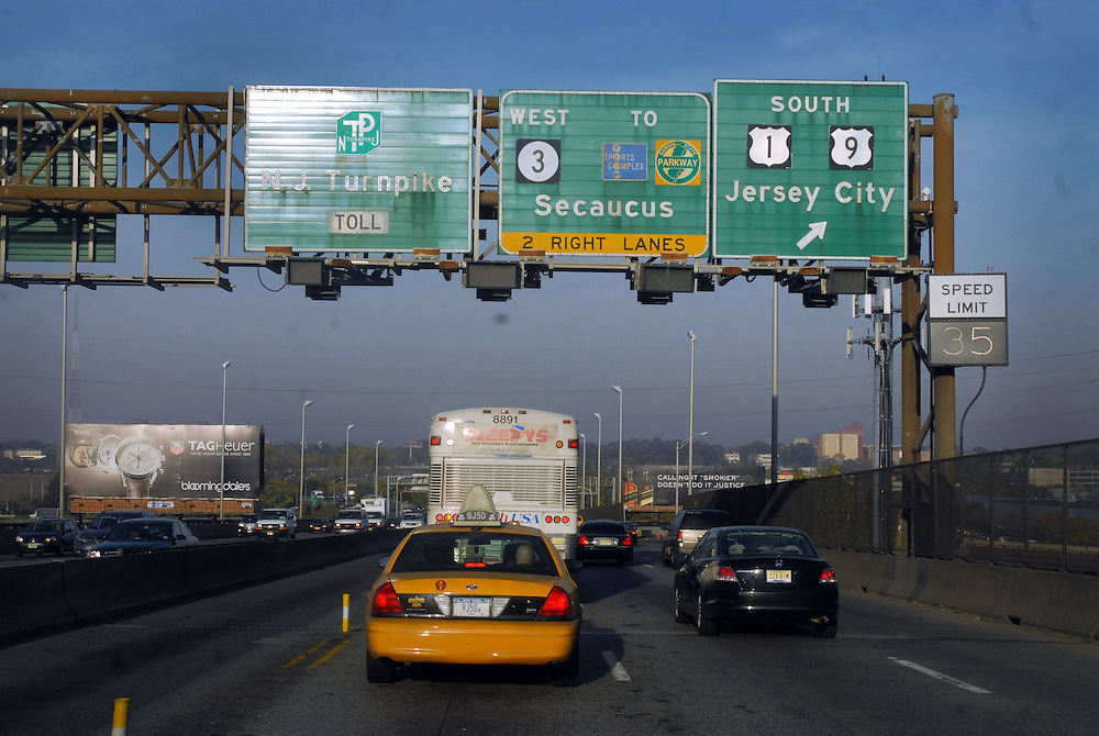 HSBC - Thought Exchange New York - exchange finalists visit Verrex in Mountainside, NJ. New Jersey highway scene
