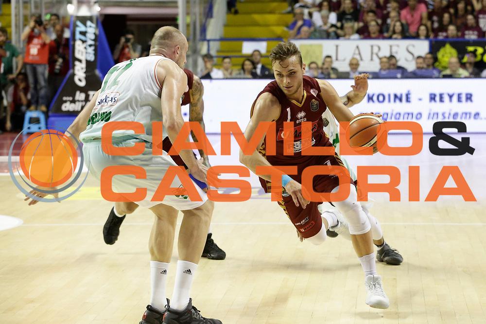 Stefano Tonut<br /> Umana Reyer Venezia - Sidigas Scandone Avellino<br /> Lega Basket Serie A 2016/17 Semifinali Gara 01<br /> Venezia, 26/05/2017<br /> Foto Ciamillo-Castoria / M. Brondi