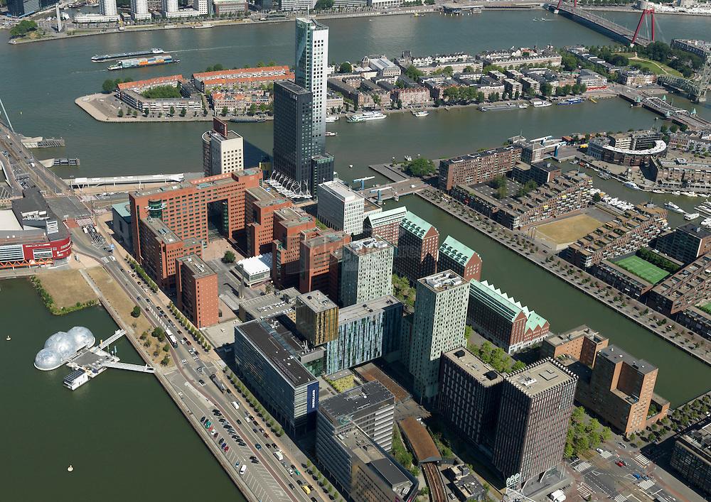 Kantoren Kop van Zuid met de Rotterdam, rechtbank, hakblokkantoren KPN en Deloitte