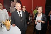 Presentation of Salon 2008 magazine at Rudolf Budja Galerie. From l.: Donald and Jeanne Kahn, Elke Polzer.
