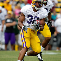 18 April 2009: LSU running back Charles Scott (32) runs with the ball during the 2009 LSU spring football game at Tiger Stadium in Baton Rouge, LA.