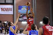 DESCRIZIONE : Casale Monferrato Lega A 2011-12 Novipiu Casale Monferrato Dinamo Sassari<br /> GIOCATORE : Mustafa Shakur<br /> SQUADRA : Novipiu Casale Monferrato <br /> EVENTO : Campionato Lega A 2011-2012<br /> GARA : Novipiu Casale Monferrato Dinamo Sassari<br /> DATA : 22/01/2012<br /> CATEGORIA : Passaggio<br /> SPORT : Pallacanestro<br /> AUTORE : Agenzia Ciamillo-Castoria/S.Ceretti<br /> Galleria : Lega Basket A 2011-2012<br /> Fotonotizia : Casale Monferrato Lega A 2011-12 Novipiu Casale Monferrato Dinamo Sassari<br /> Predefinita :