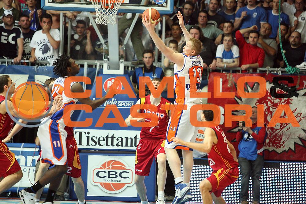 DESCRIZIONE : Cantu Lega A1 2007-08 Playoff Quarti di Finale Gara 2 Tisettanta Cantu Lottomatica Virtus Roma<br /> GIOCATORE :  Povilas Cukinas<br /> SQUADRA : Tisettanta Cantu<br /> EVENTO : Campionato Lega A1 2007-2008 <br /> GARA : Tisettanta Cantu Lottomatica Virtus Roma <br /> DATA : 13/05/2008 <br /> CATEGORIA : Rimbalzo<br /> SPORT : Pallacanestro <br /> AUTORE : Agenzia Ciamillo-Castoria/S.Ceretti