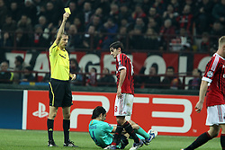 23.11.2011, Giuseppe Meazza Stadion, Mailand, ITA, UEFA CL, Gruppe H, AC Mailand (ITA) vs FC Barcelona (ESP), im Bild Ammonizione Alberto Aquilani Milan Referee Stark // during the football match of UEFA Champions league, group H, between Gruppe H, AC Mailand (ITA) and FC Barcelona (ESP) at Giuseppe Meazza Stadium, Milan, Italy on 2011/11/23. EXPA Pictures © 2011, PhotoCredit: EXPA/ Insidefoto/ Paolo Nucci..***** ATTENTION - for AUT, SLO, CRO, SRB, SUI and SWE only *****