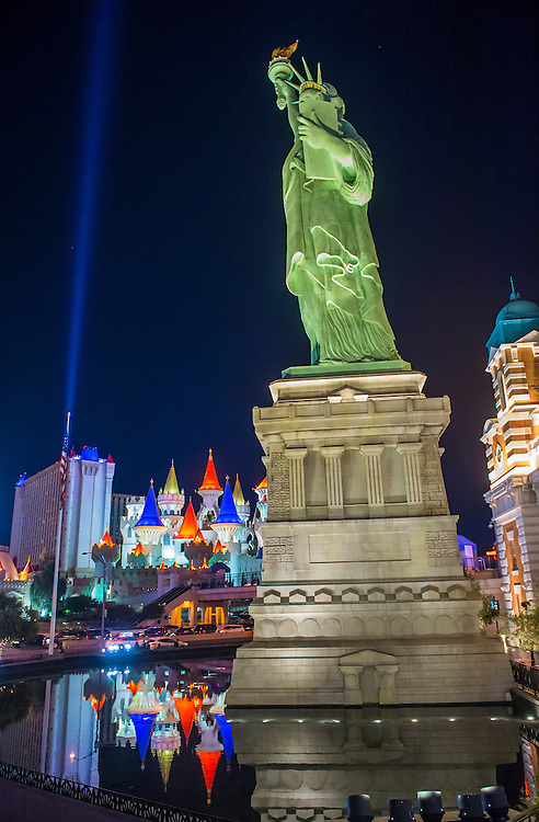 LAS VEGAS - NOV 24 : Replica of the Statue of Liberty of New York hotel in Las Vegas on November 24 2016 , This hotel simulates the New York City skyline and It was opened in 1997.