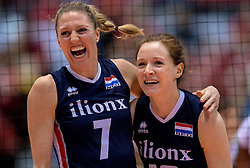 20-05-2016 JAP: OKT Italie - Nederland, Tokio<br /> De Nederlandse volleybalsters hebben een klinkende 3-0 overwinning geboekt op Italië, dat bij het OKT in Japan nog ongeslagen was. Het met veel zelfvertrouwen spelende Oranje zegevierde met 25-21, 25-21 en 25-14 / Quinta Steenbergen #7, Lonneke Sloetjes #10