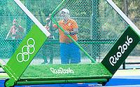 RIO DE JANEIRO (Brazilie) - De dames  van Oranje trainen vanmiddag in het Olympische hockeystadion . assistent coach Albert Kees Manenschijn (Ned).  COPYRIGHT KOEN SUYK