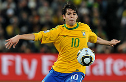 28.06.2010, Ellis Park Stadium, Johannesburg, RSA, FIFA WM 2010, Brazil (BRA) vs Chile.C (CHI), im Bild Kaka (Brasile).. EXPA Pictures © 2010, PhotoCredit: EXPA/ InsideFoto/ Giorgio Perottino +++ for Austria and Slovenia only +++ / SPORTIDA PHOTO AGENCY