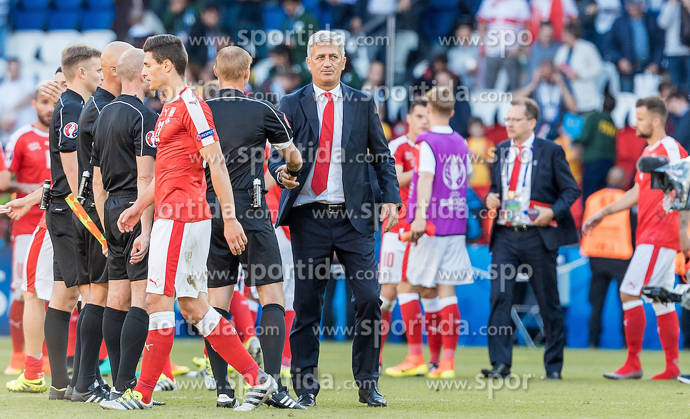 15.06.2016, Parc de Princes, Paris, FRA, UEFA Euro, Frankreich, Rumaenien vs Schweiz, Gruppe A, im Bild Coach Vladimir Petkovic (SUI) // Coach Vladimir Petkovic (SUI) during Group A match between Romania and Switzerland of the UEFA EURO 2016 France at the Parc de Princes in Paris, France on 2016/06/15. EXPA Pictures © 2016, PhotoCredit: EXPA/ JFK